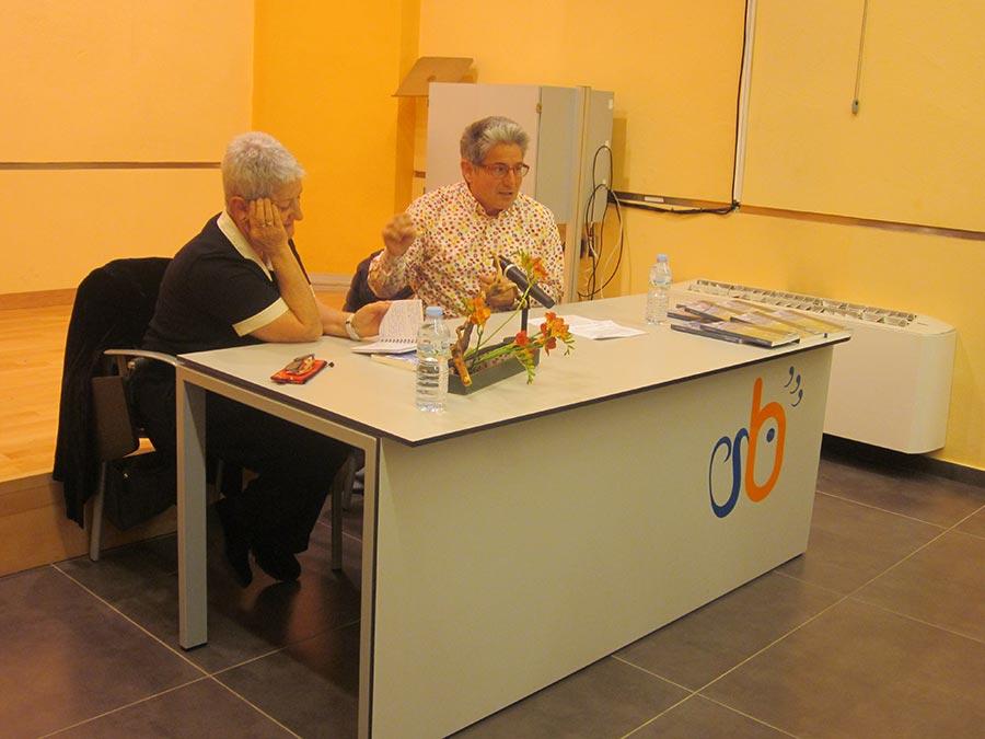 Presentació del llibre 'Tocats per la natura' a la biblioteca de Guissona, acompanyat per la Montse Vilaró, al febrer de 2020.